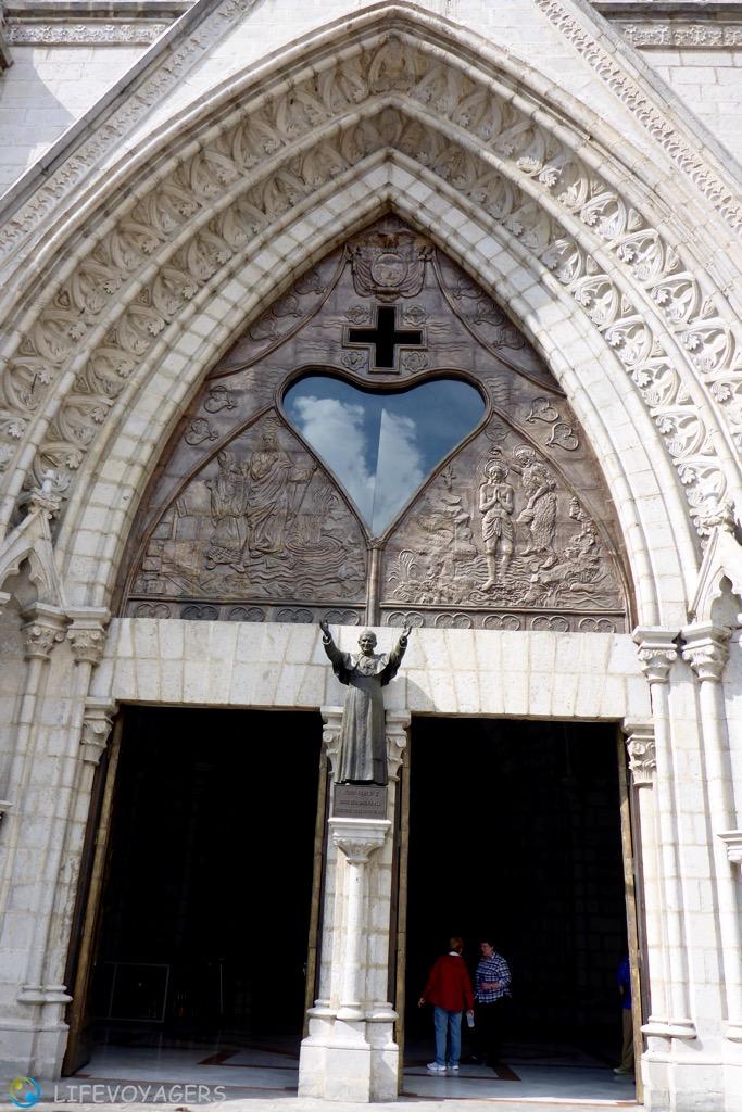 basilica-portal