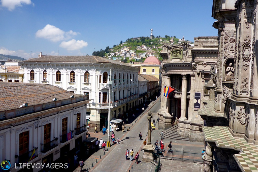 panecillo-blick-centro-cultural